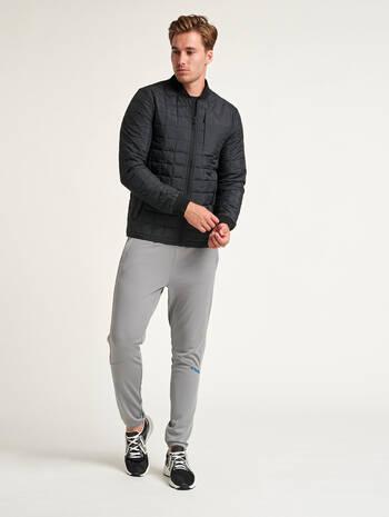 hmlLUKE JACKET, BLACK, model