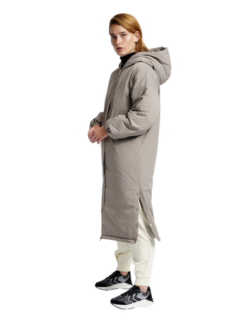 hmlEAST PUFFER LONG COAT, DRIFTWOOD, model