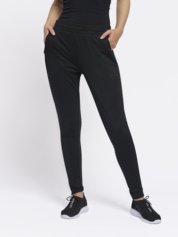 hmlSELBY TAPERED PANTS, BLACK, model