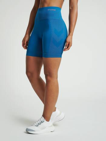 hmlFELICITY SEAMLESS SHORTS, MYKONOS BLUE, model