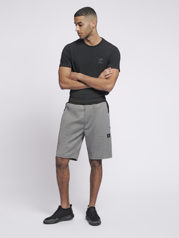 hmlTROPPER SHORTS, GREY MELANGE, model