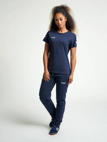 HMLGO COTTON T-SHIRT WOMAN S/S, MARINE, model
