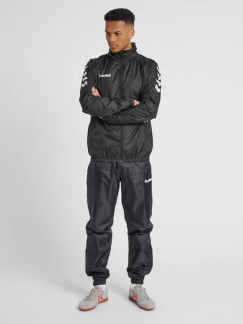 CORE SPRAY JACKET, BLACK, model