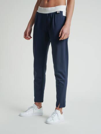 hmlCEDAR REGULAR PANTS, BLUE NIGHTS, model