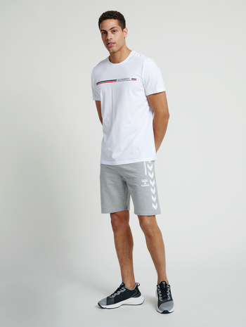 hmlRAY 2.0 SHORTS, GREY MELANGE, model