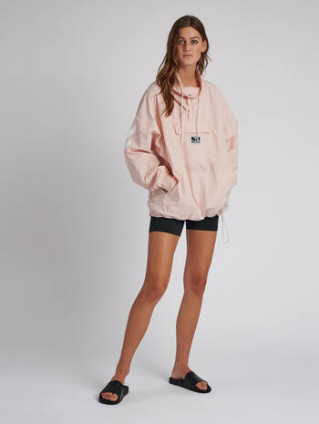 hmlCALISTA OVERSIZED ANORAK, CLOUD PINK, model