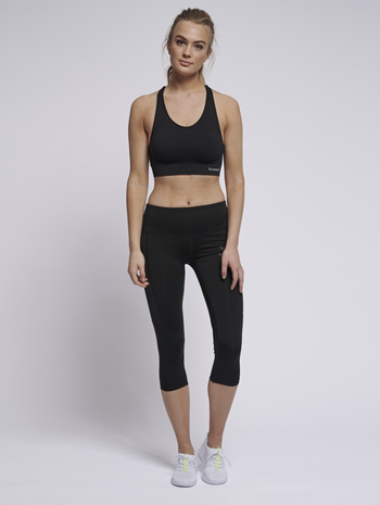 SUE SEAMLESS SPORTS TOP, BLACK, model