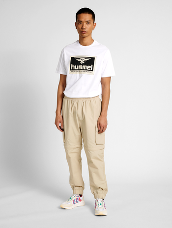 hmlTRAP ZIP OFF PANTS, PELICAN, model