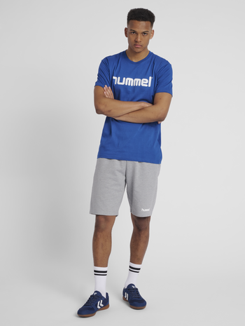 HMLGO COTTON LOGO T-SHIRT S/S, TRUE BLUE, model