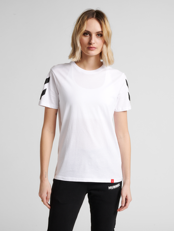 hmlLEGACY CHEVRON T-SHIRT, WHITE, model